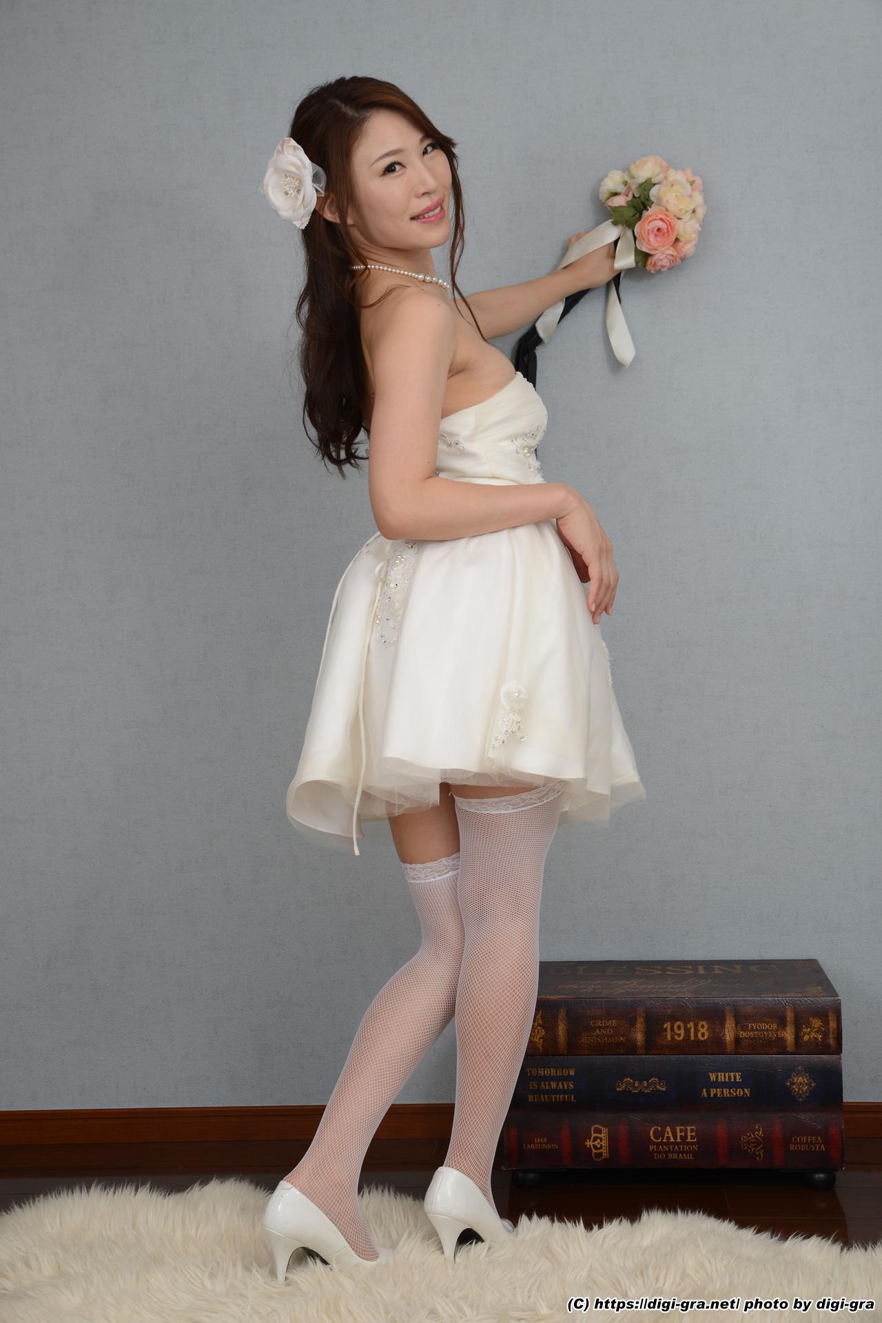 RE:ウェディングドレスを脱いだら女王様